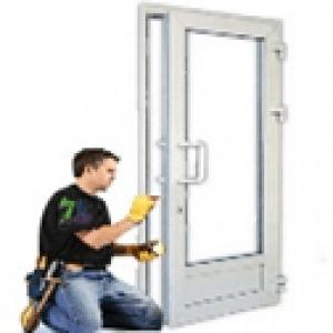 регулировка сложная в плоскости двери